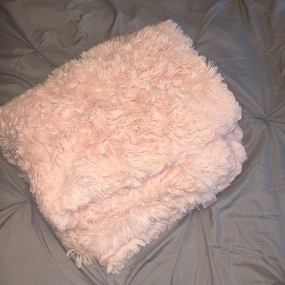Xhilaration Other - Target Faux Fur Throw Blanket